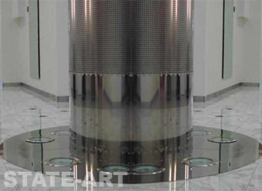 Декоративная обшивка круглой колонны нержавеющим перфорированным листом