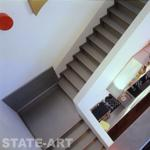 вид на лестницу на 2-й этаж
