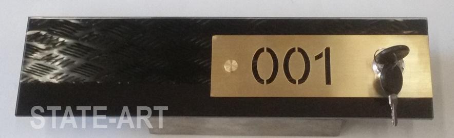 образец 007 латунь на чёрном стекле (1)