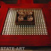 фото декоративный столик с металлической перфорацией