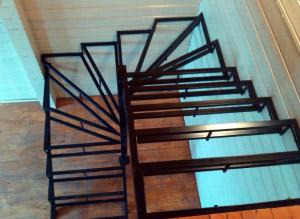 металлическая лестница 030