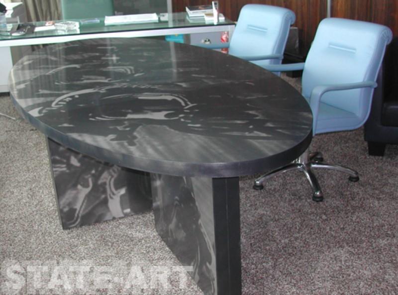 нестандартный декоративный стол