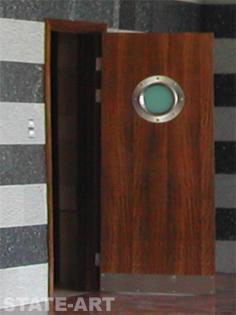 декорирование двери нержавейкой