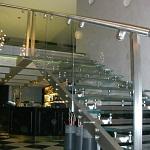 Изготовление легких нержавеющих конструкций - нержавеющая лестница