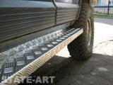 Обшивка порогов внедорожников рифлёным алюминием