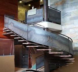 Лестница Лофт из горячекатанного металла