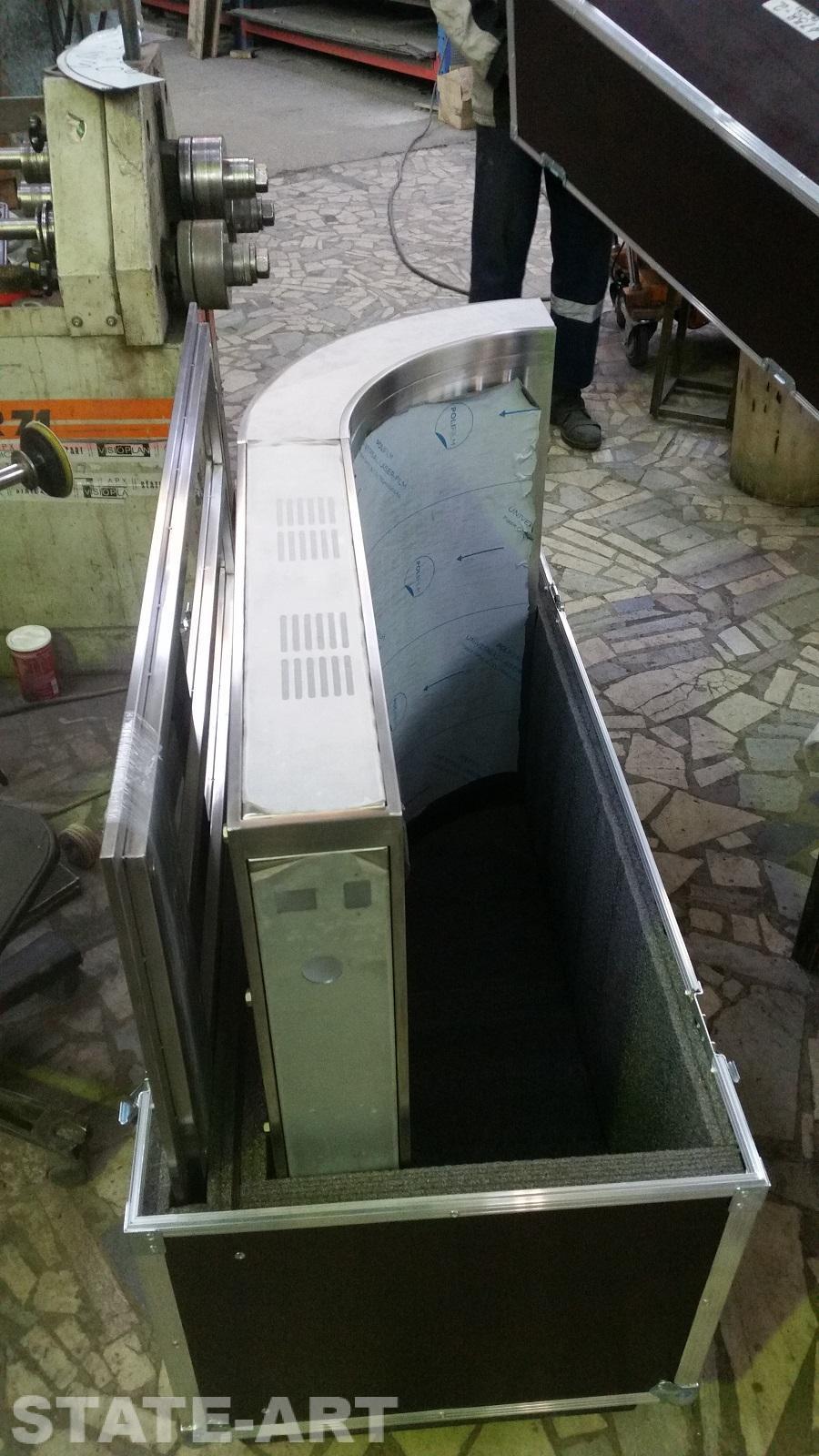 Упаковка корпуса эксклюзивного стенда в транспортный кофр