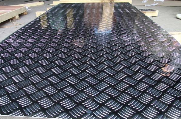 Купить рифлёный алюминиевый лист в розницу от компании State-Art по выгодным ценам в Москве